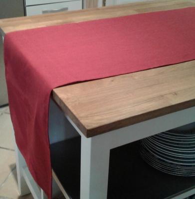 Chemin de table en lin rouge