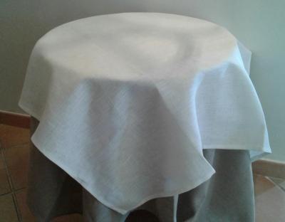 Centre de table en lin ecru