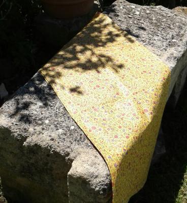 Chemin de table en coton enduit provençale